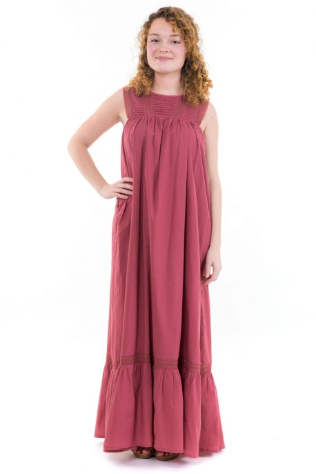 Robe maxi boheme dentelle rose face